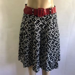 LARRY LEVINE 🍹🍹beautiful belted pleated skirt